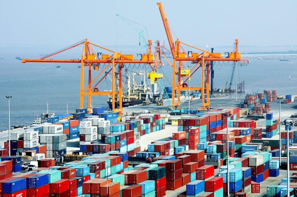 Container trong vận tải đường biển